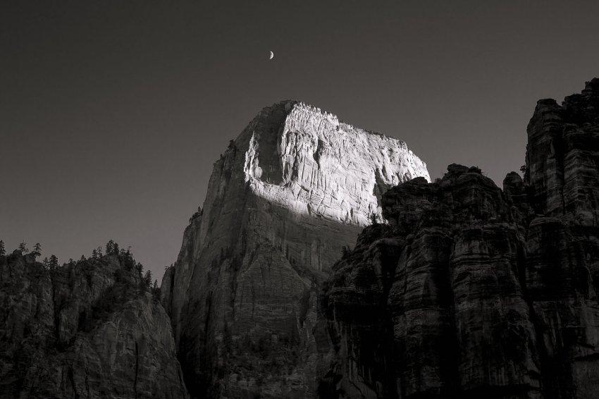10.29.14 Zion Cliffs and Moon Orange Filter.jpg