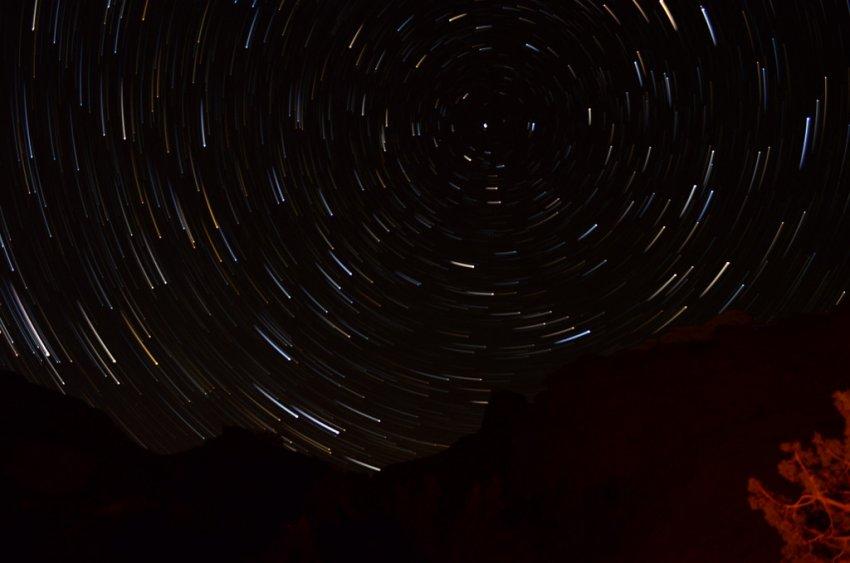 162-Star Trails - Comet 1.JPG