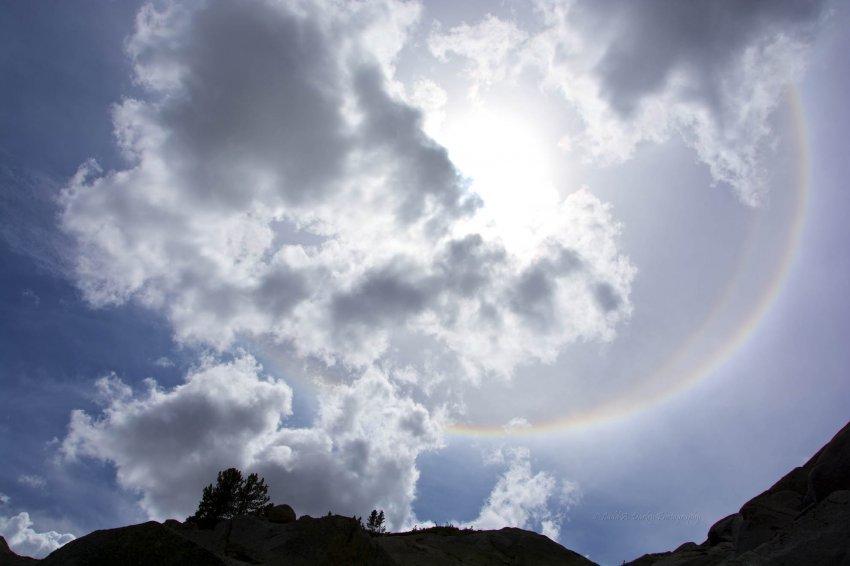 746_ice-halo_diamond-dust_22-degree-halo_sun-halo.jpg