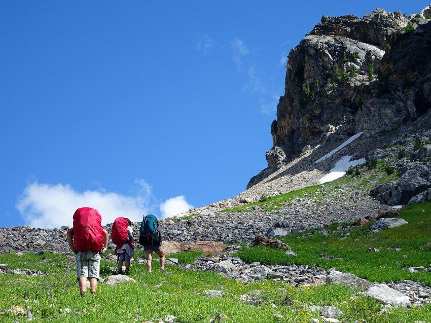 Alpine Lake Ascent 01.jpg