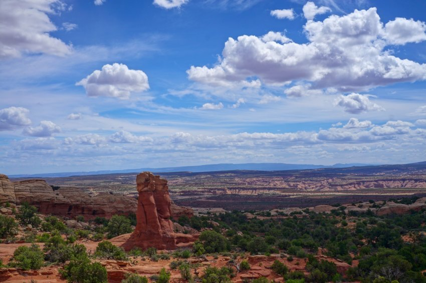 Beautiful view at arches NP.jpg