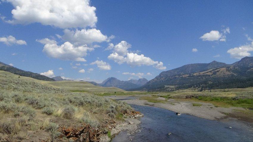 Day 4 Lamar River TH Soda Butte Creek.JPG