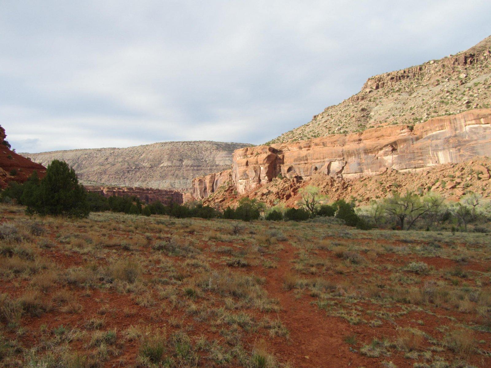 Dominguez Canyons Backpack 4.22.18 156.jpg