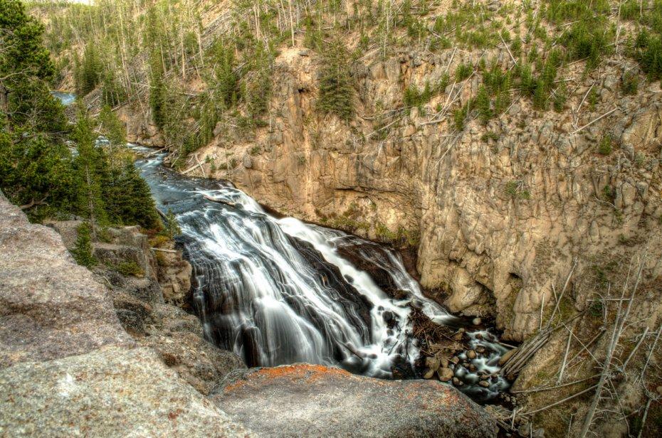 Gibbon Falls enhanced.jpg