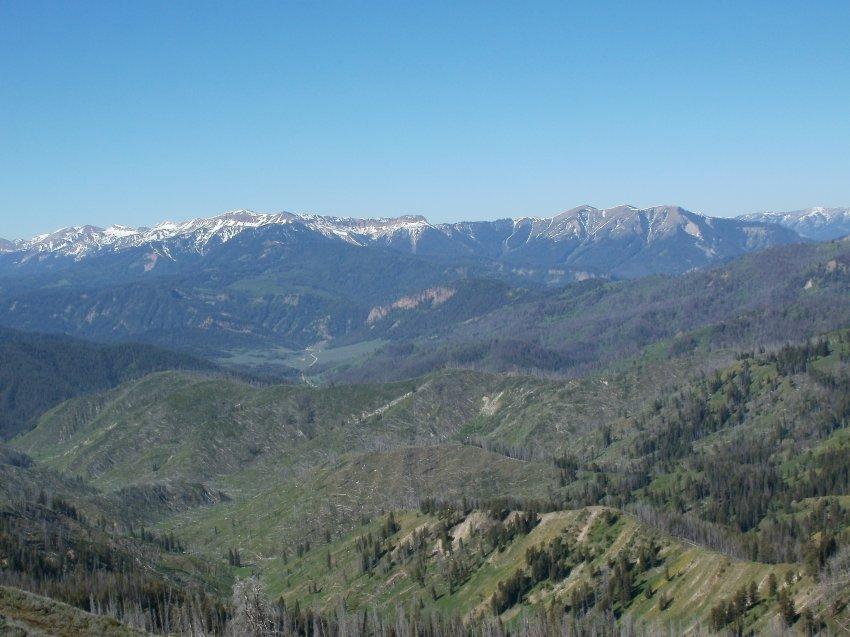 Granite Hi-Line Wyoming Range And hoback Peaks.jpg