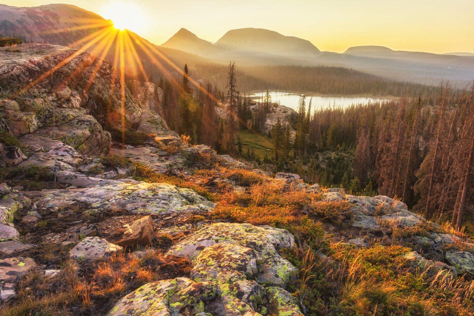 Lakes Trail 8-20180247-sun.jpg