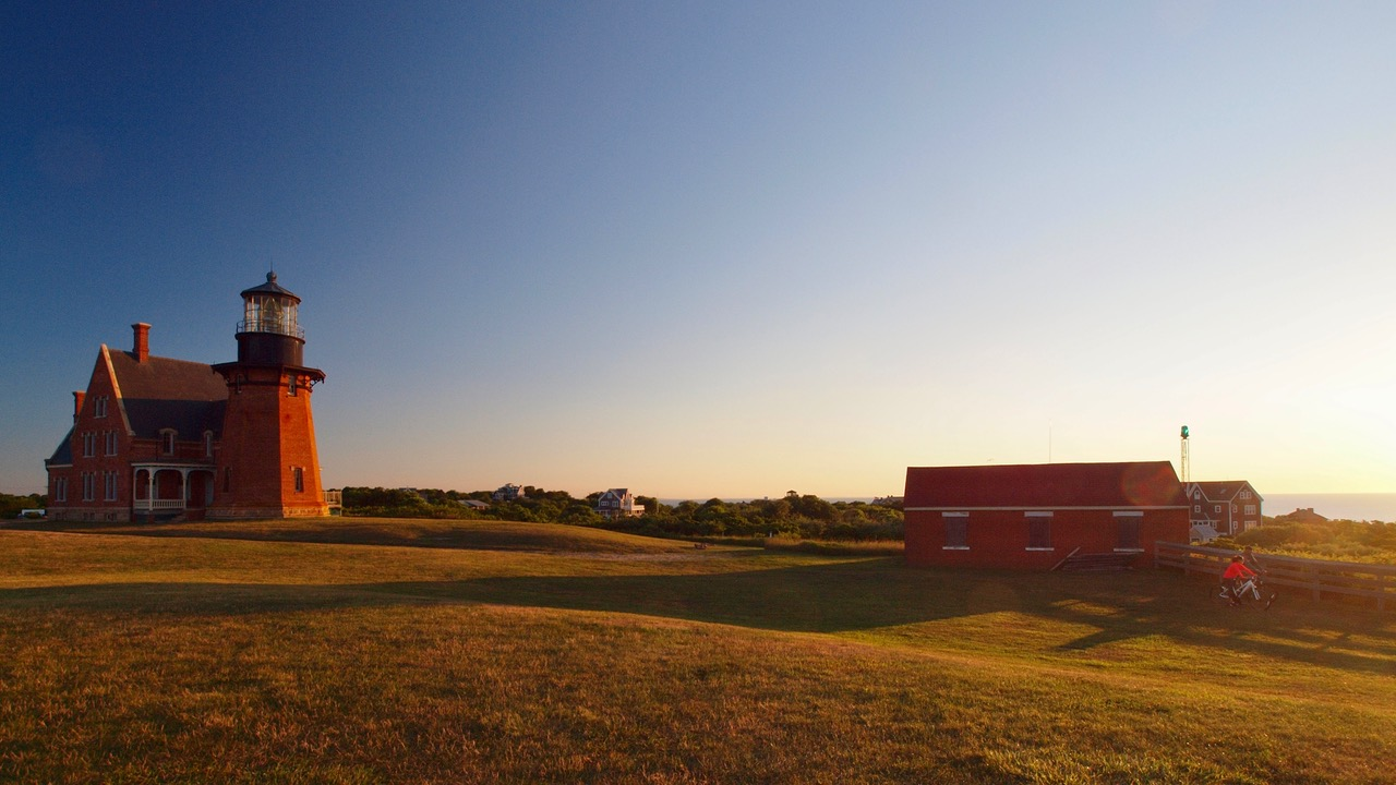 lighthouse-06231358.jpeg