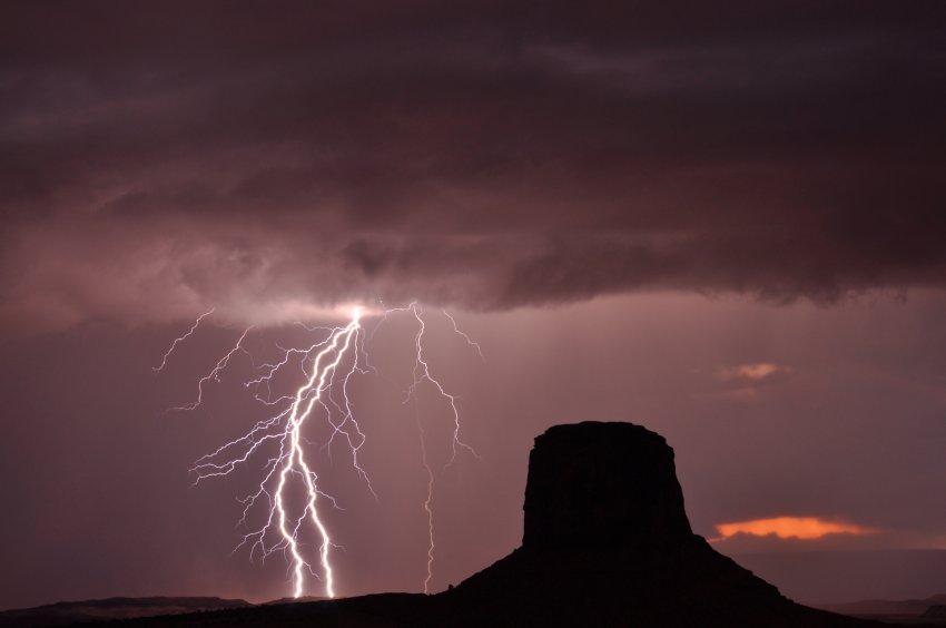 Lightning at Monument Valley 2.JPG