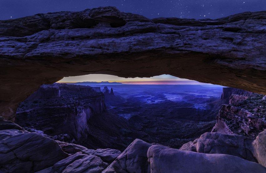 Mesa Arch 03 Small.jpg