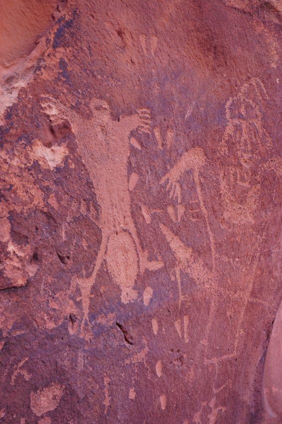 Moab birthing rock petroglyphs 2.jpg