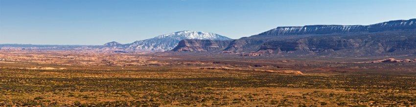 Navajo Mountain 3086.jpg