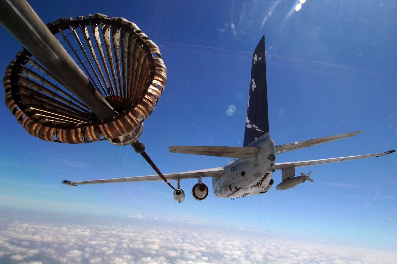 s-3_viking_in-flight_refueling copy.jpg